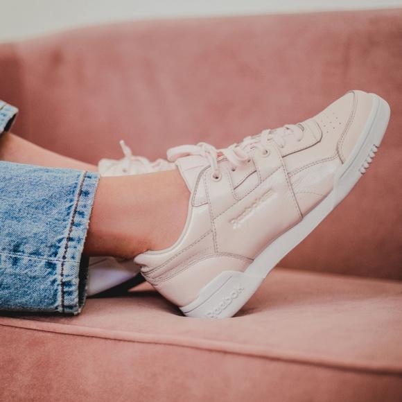 Usando una computadora arena Agnes Gray  Reebok Shoes | Reebok Classic Leather Lace Up Sneakers | Poshmark